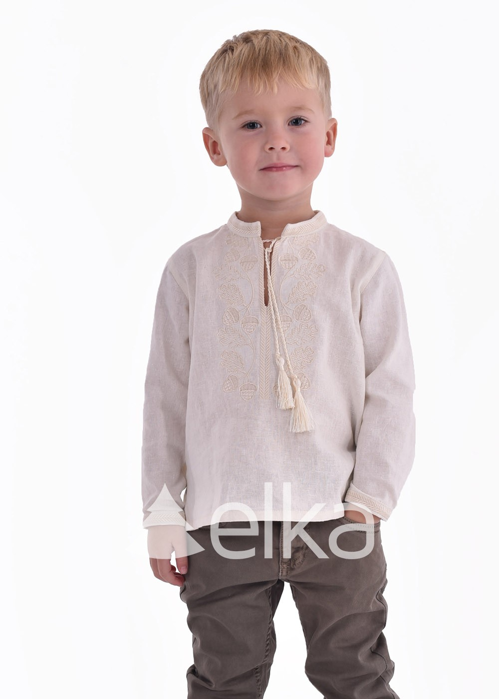 Детская вышиванка молочная