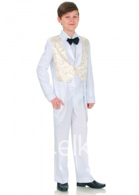 Классический белый костюм фрак