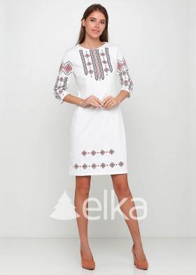 Вышитое платье белое