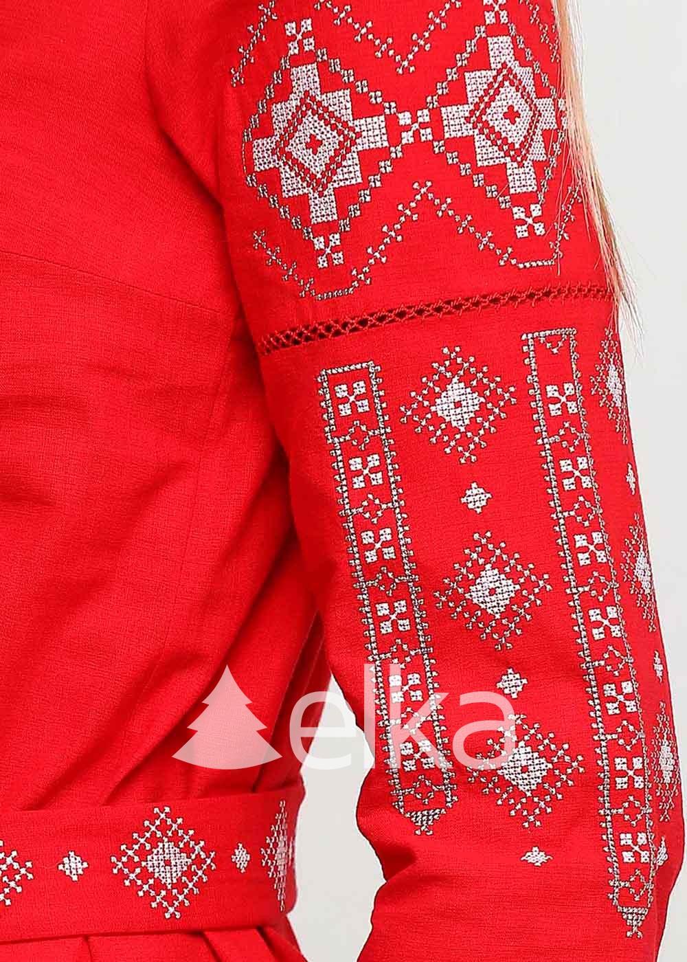 Вышиванка женская Традиция красная