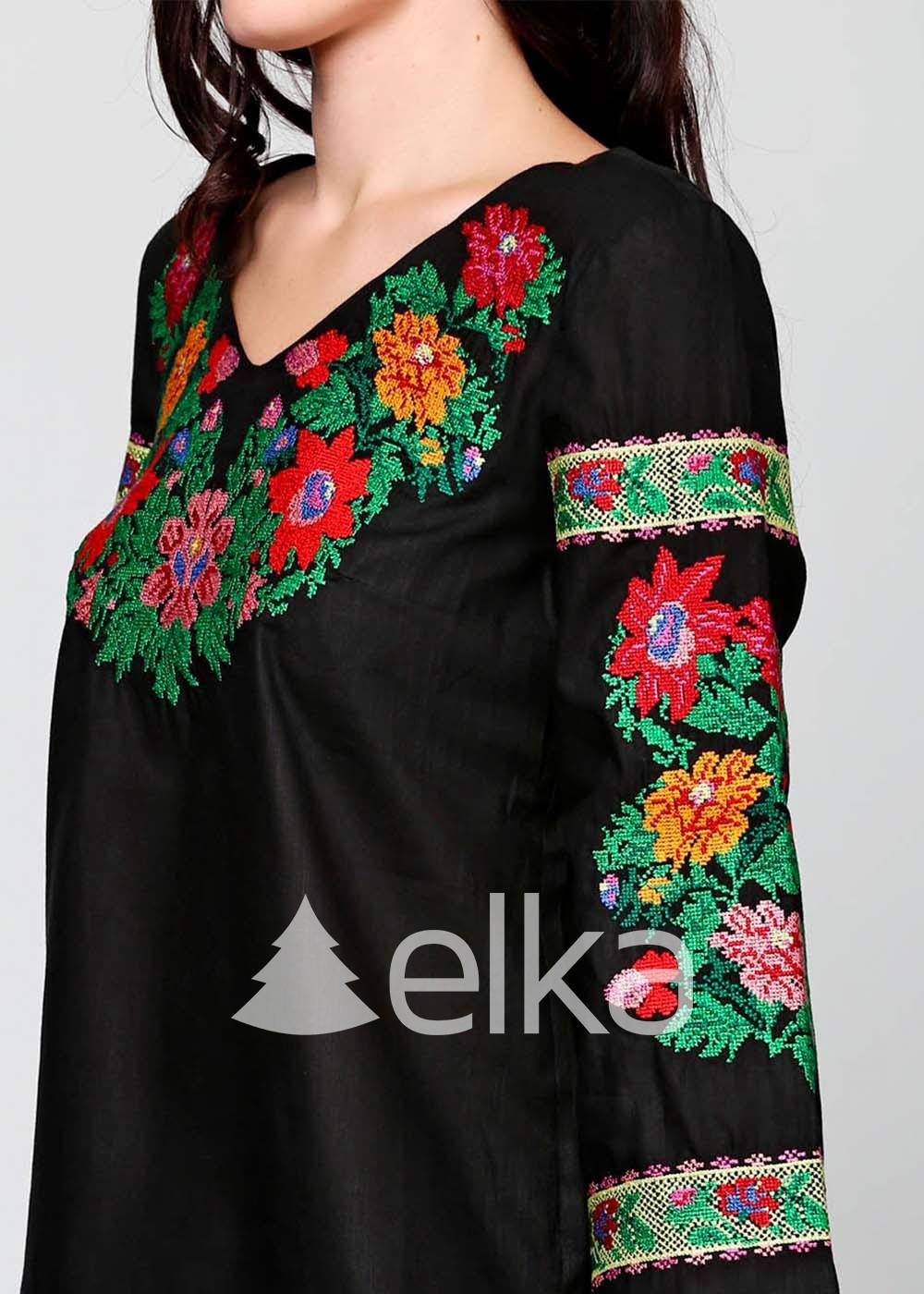 Вышиванка женская черная Цветочный венок