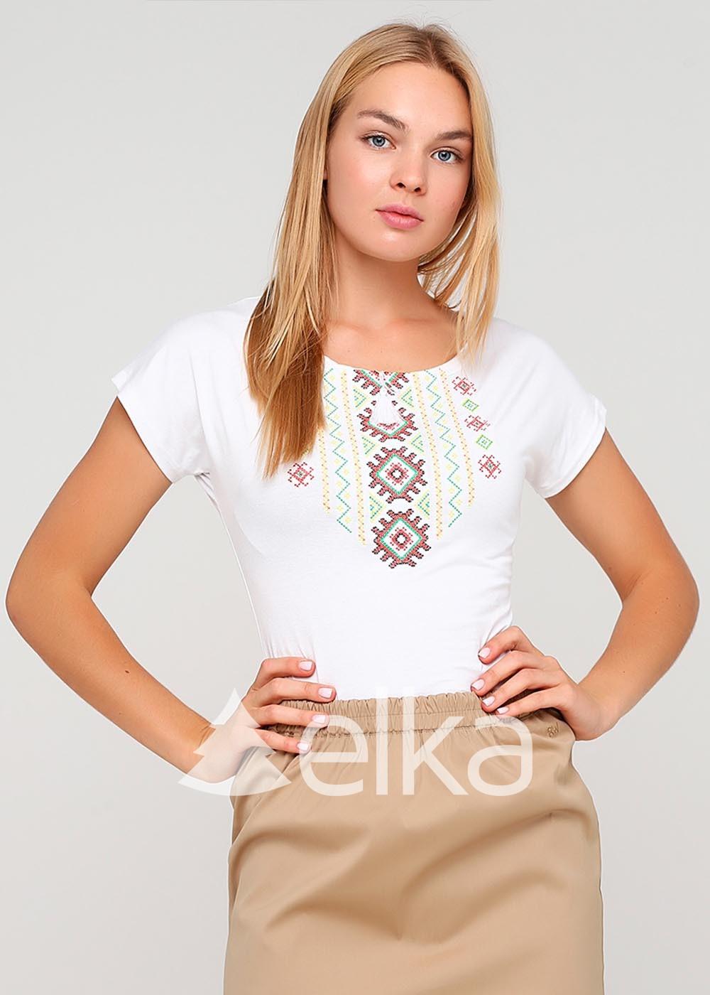 Вышитая футболка белая