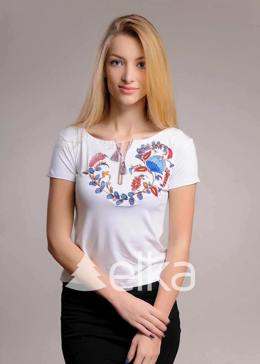 Вышитая футболка Петриковка