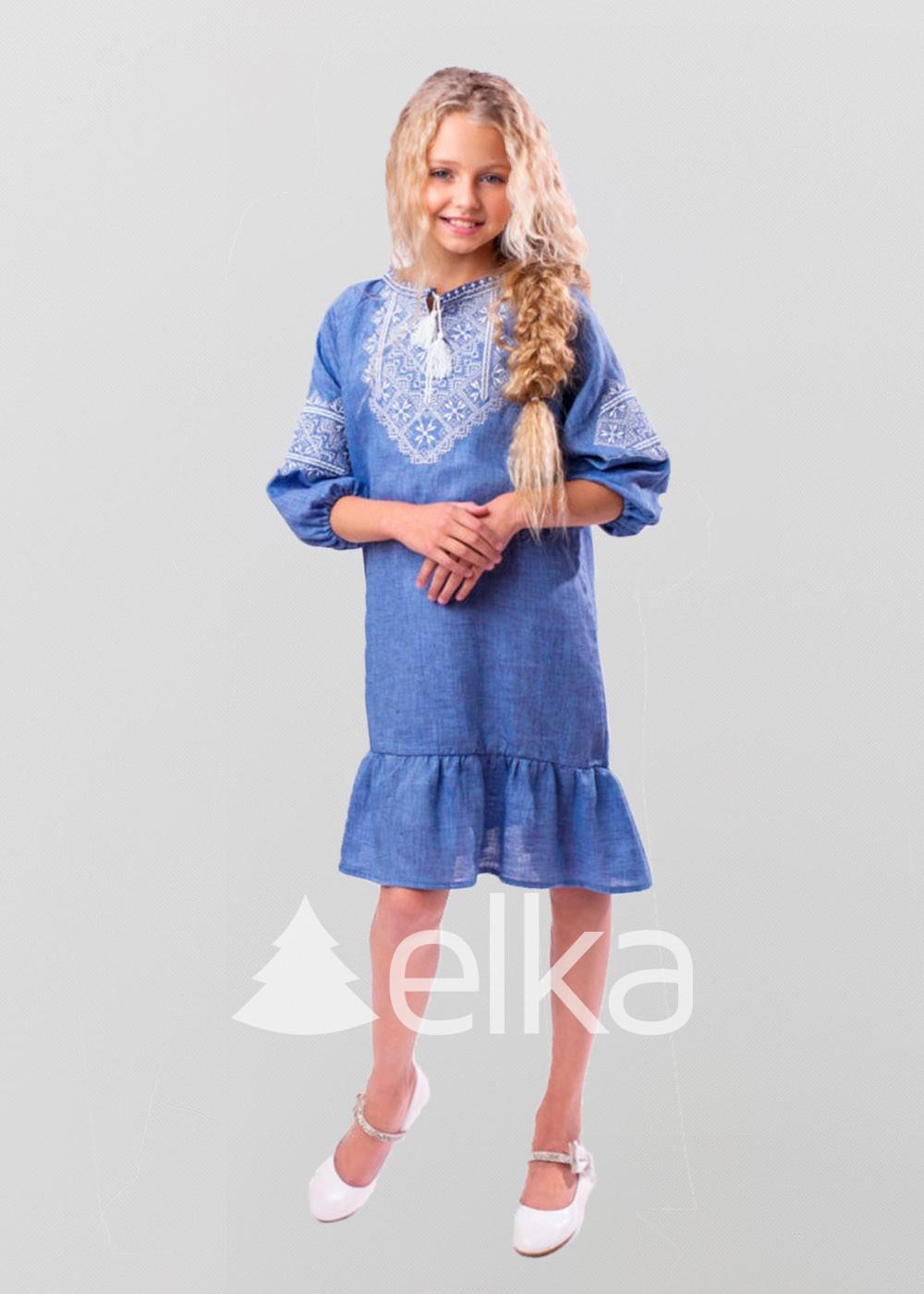 Вышитое платье для девочки Твори мир
