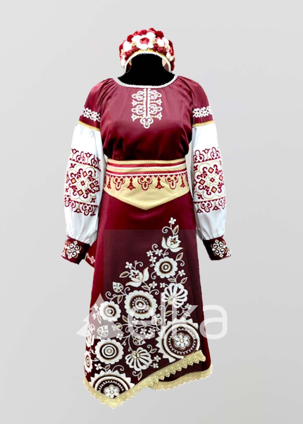 Народный костюм женский