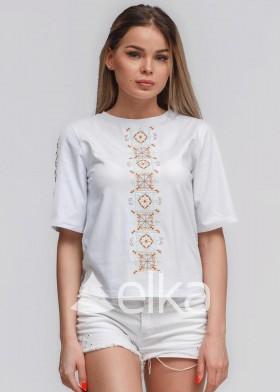 Вышитая женская футболка Ромб