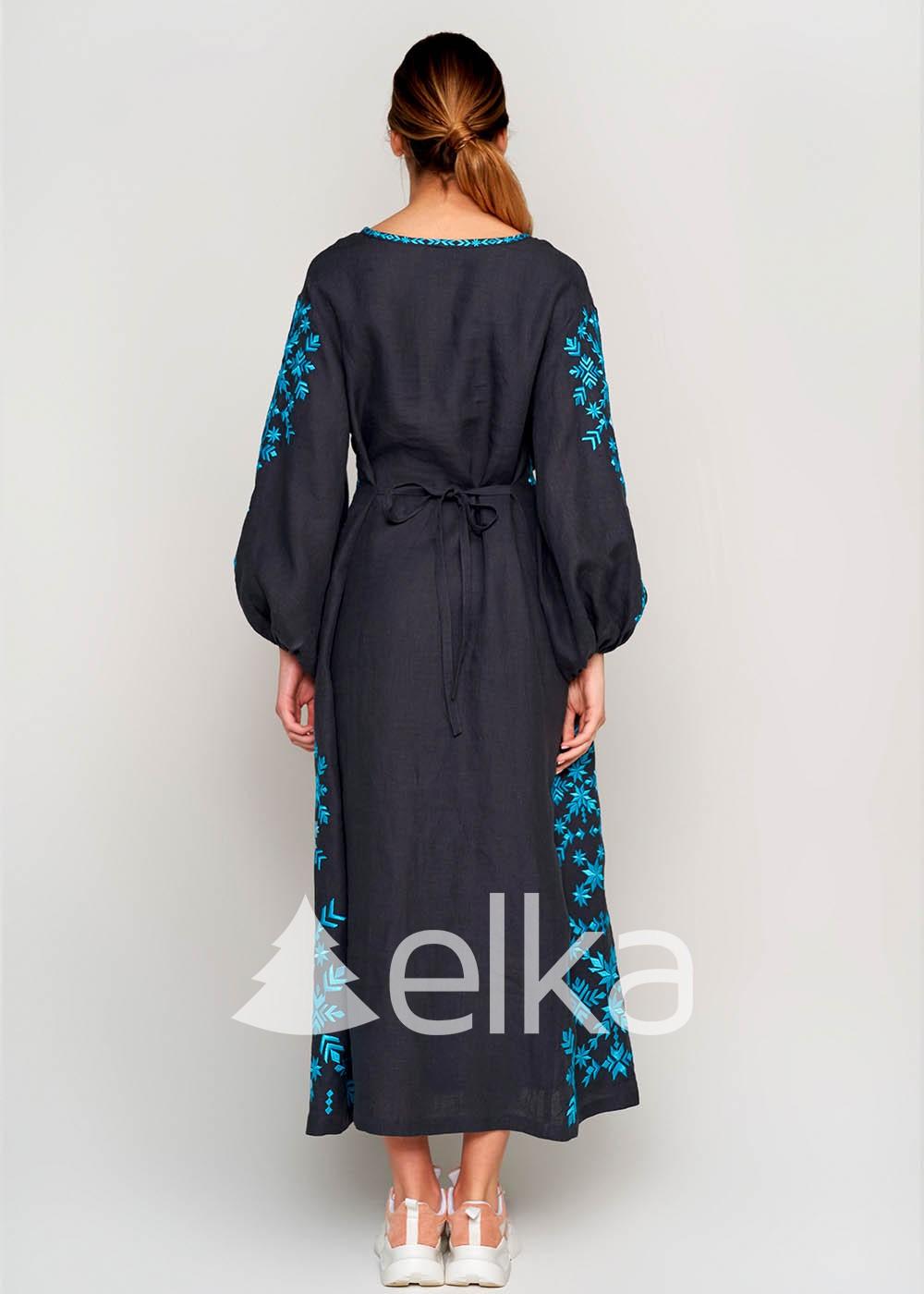 Платье вышиванка серое