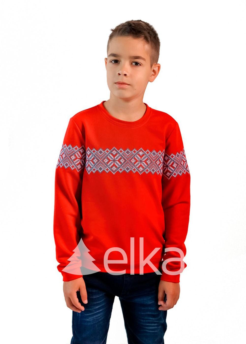Кофта с вышивкой красная