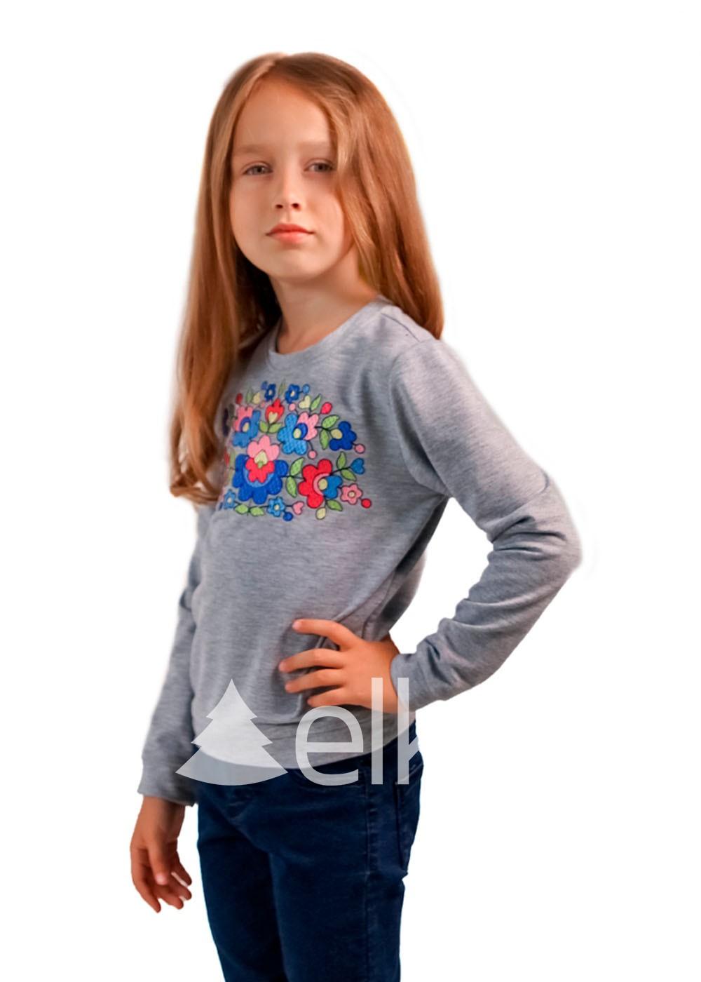 Кофта с вышивкой детская