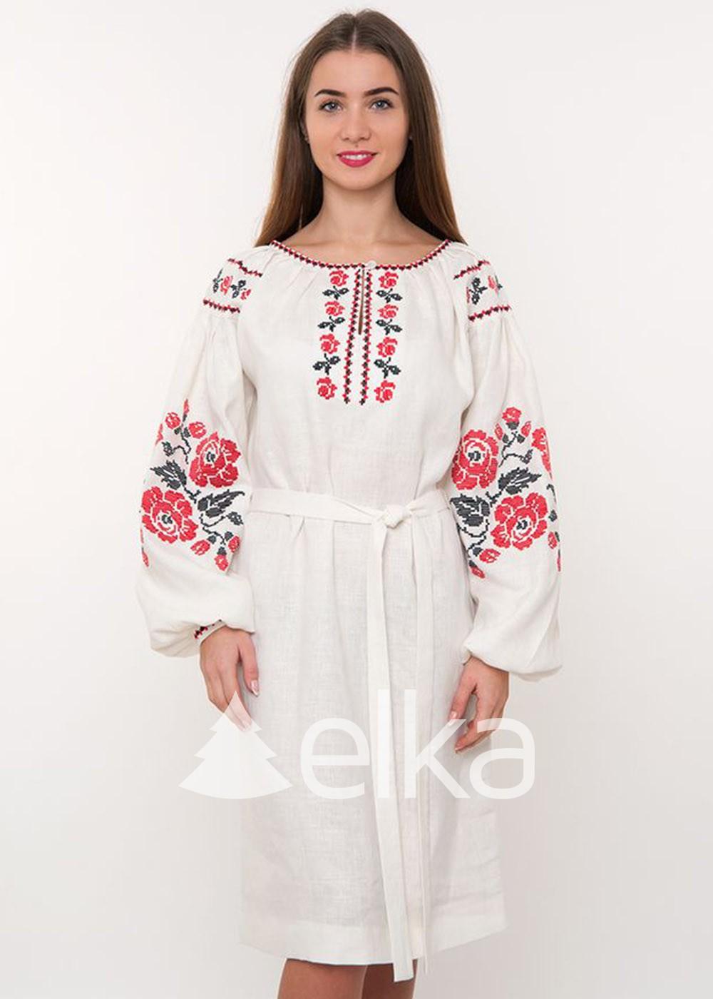 Платье вышиванка красные розы